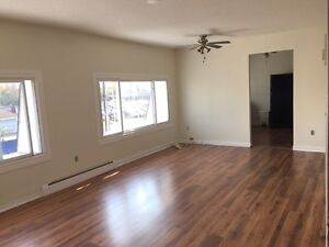 Large 2nd Floor 2 Bedroom Apartment on Outskirts of Smiths Falls