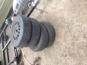 Like new General altimax rt43 185/70r14 on 4 bolt Honda rims