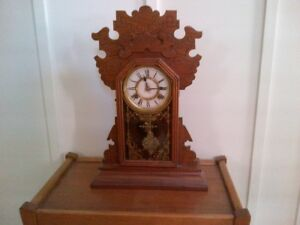 Antique Clock Beautiful Condition!