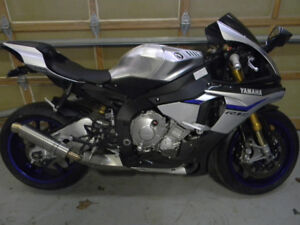 R1M 2015 SPOTLESS $800 AUTO BLIP FOR CLUTCHLESS SHIFTING