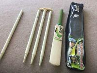 Kookaburra kids cricket set