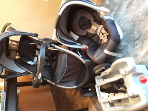 Carseat/Stroller Snugride Click Connect
