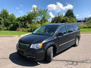 2012 Van Low Mileage Chrysler Town and Country