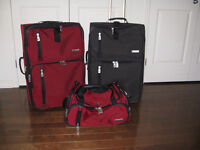 set of suitcases Kenneth Cole Reaction ensemble de bagages