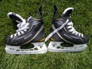 Player skates - sizes 1, 1.5 and 2