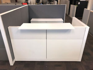 RECEPTION DESK - Greet your guests and clients in style & class