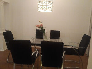 Modern Glass Dining Table with 6 Chairs Kitchener / Waterloo Kitchener Area image 4