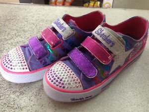Like new Skechers twinkle toes size 5 girls sneakers