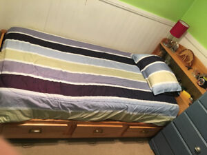 Single Captain's Bed (w/ bottom drawers)- Mattress Included