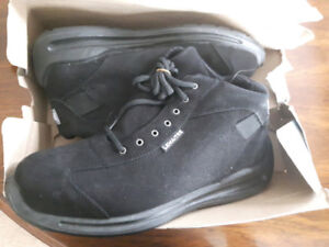 Men's Steel Toed Safety Boots - Size 10   PAID $130, paid $60