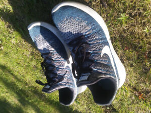 Used Nike Lunarepic low Flyknit 2 (US size 9.5)