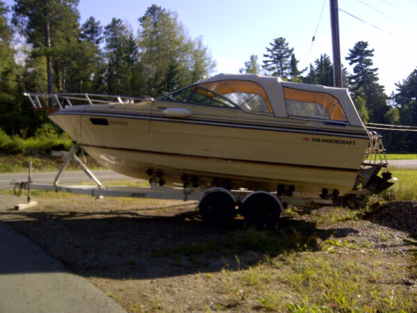 1985 Thunder Craft Boats 2300