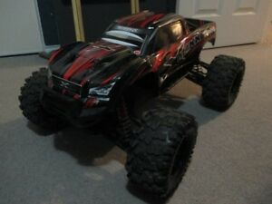 Traxxas X-MAXX - Includes batteries and charger - RTR