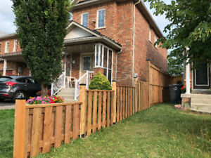 Wooden fence builder