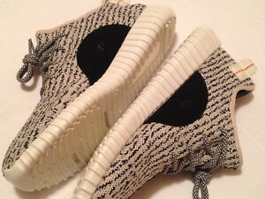 // FREE DELIVERY \\ YEEZY BOOST 350 Turtle Dove