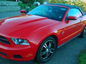 2010 Ford Mustang V6 Convertible (2 door)