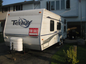 2004 Fleetwood Terry Camping Trailer
