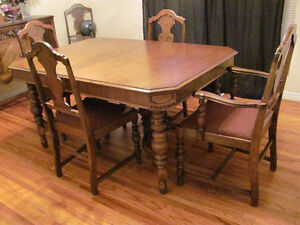11 pc Walnut Heirloom dining set