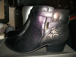 Ladie's spring boots   I LOVE COMFORT size 10 (new in box)