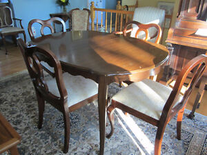 Dining room table and five chairs
