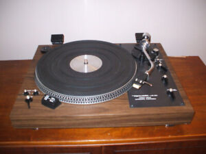 VINTAGE REALISTIC LAB-420 TURNTABLE, TRADE OR SELL
