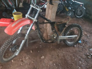 1983 cr480 chassi