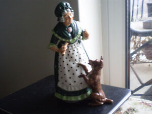 "Royal Doulton Figurine "" Old Mother Hubbard "" HN2314"