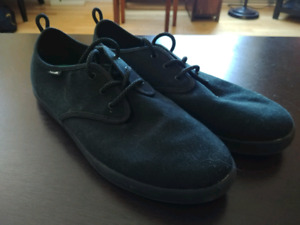 Sanuk canvas shoes size 11.5