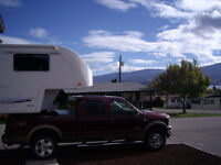 2004 Kustom Koach 5th Wheel & 2006 Ford King Ranch Truck