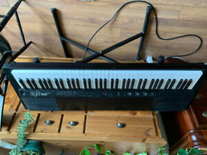 Yamaha PF70 Electric Piano w/stand weighted keys - Vintage 80's