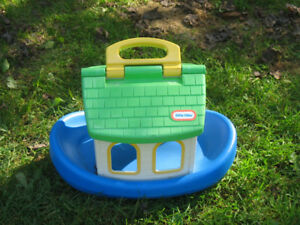 Fisher price boat that floats and half the roof lifts
