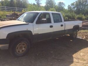 2004 3500 Chevrolet 4x4 for parts