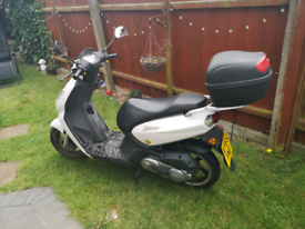 Peugeot kisbee 49cc. Faulty. For spares or repair.