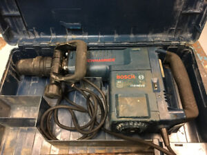 Bosch jackhammer /breaker with case and bits