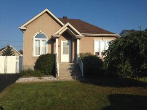 Maison à vendre Terrebonne (peut être vendue avec les électro)