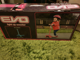 Evo brand new boxed pink light up scooter age 2 and up