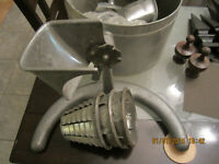 HAND GRADER WITH 3 DIFFERENT CUTTING HEADS