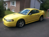 2001 Ford Mustang Coupe (2 door) V6