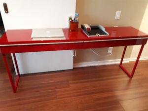 IKEA Besta Burs extra long desk in excellent condition.