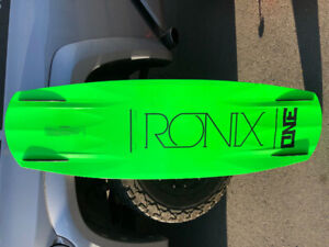 Barely used 2012 Ronix One Modello Men's Wakeboard with bindings
