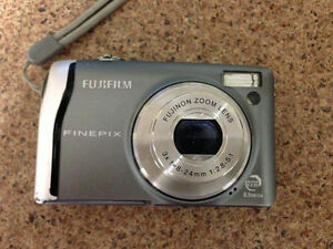 Fujifilm Finepix F40fd 8.3MP Digital Camera with 3x Optical Zoom