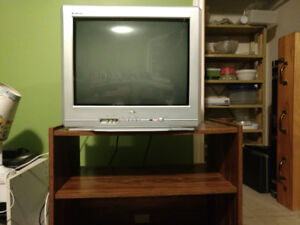 "20"" Tube Tv with stand"