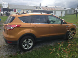 2016 Ford Escape VUS. Reste 28 mois de location.