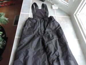 kids and youth snow suit. Size 7/8.