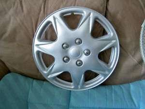 Plastic Wheel Rim Silver 7 Spoke Model KT - 915   Pat # 151485