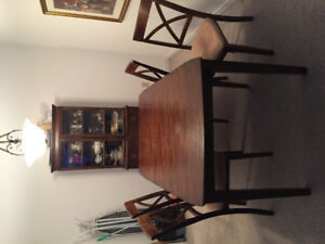 5 Piece Kitchen Table and Cabinet
