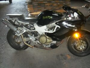 honda vtr 1000 accidenter pour pieces