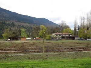 2Acres plus nice, large home for the WHOLE FAMILY