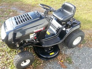Yard Machines 14.5 HP Lawn Tractor for Sale 2016 Cornwall Ontario image 1