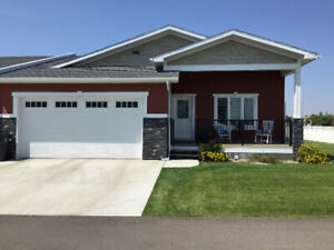 COMFORTABLE HOME IN FAIRMONT LANDING CLOSE TO SHOPS AND SE4VICES
